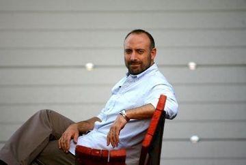 Halit Ergenç, interpretul sultanului Suleyman, implineste astazi 43 de ani! Urmareste un VIDEO emotionant cu cel mai indragit actor turc