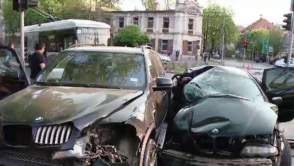 Un cunoscut artist roman a fost implicat intr-un accident rutier! Afla despre cine este vorba, dar si cum se simte