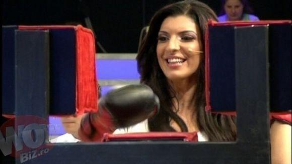 "Andreea Tonciu boxeaza cu... silicoanele!!! Nu rata ""Jumatatea mea stie"", din 11 mai, ora 21.00, la Kanal D"