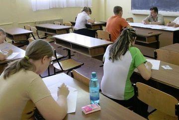 SIMULARE BACALAUREAT 2013: Elevii sustin prima proba la alegere din cadrul filierei, profilului si specializarii