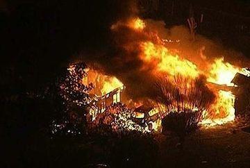 SUA, LOVITA de o noua tragedie! 70 de oameni au murit in urma unei explozii puternice la o fabrica din Texas. Deflagratia a provocat un CUTREMUR de 2.1 grade VIDEO
