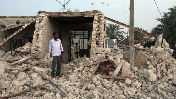 CUTREMUR PUTERNIC in Iran! Seismul a avut 7.8 GRADE pe scara Richter. Cel putin 40 de morti sunt confirmati pana acum
