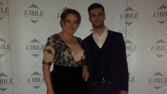 CE TINUTE elegante au purtat Oana Roman si iubitul ei, Marius, la ziua vedetei! CADOURI EXCLUSIVISTE pentru prezentatoarea tv GALERIE FOTO