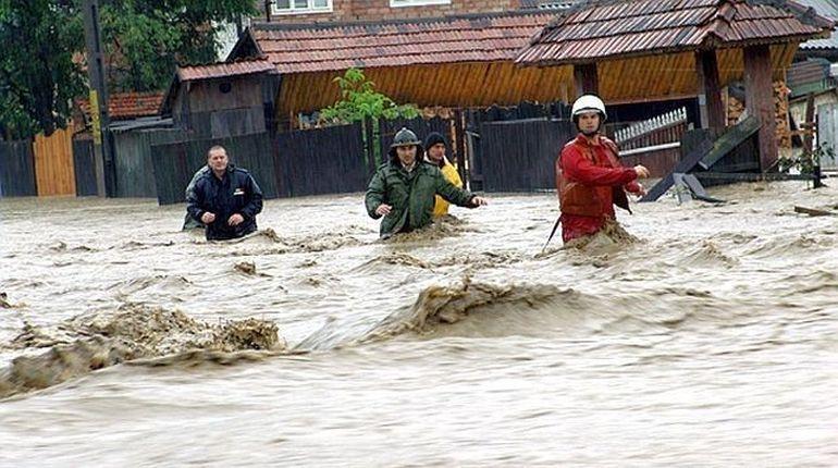 Romania, lovita de inundatii! COD PORTOCALIU pe Dunare, incepand de sambata
