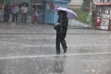 INFORMARE METEO: COD GALBEN pentru ploi si vant! Afla ce judete vor fi afectate