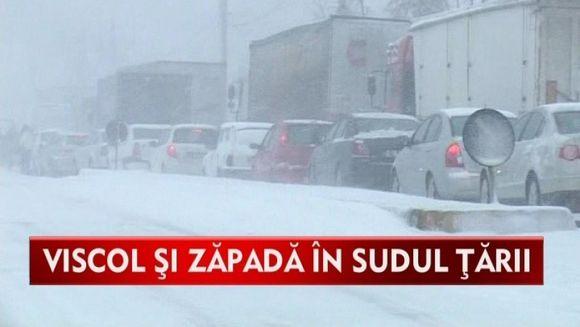 Mai multe drumuri din tara sunt blocate din cauza viscolului si a zapezii VIDEO