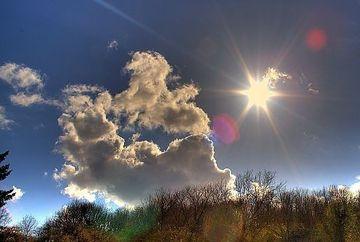PROGNOZA METEO: Vreme mai calda decat in mod normal pentru aceasta data. Vezi cum va fi marti si miercuri
