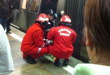 O persoana s-a aruncat in fata metroului la Costin Georgian! Circulatia a fost OPRITA
