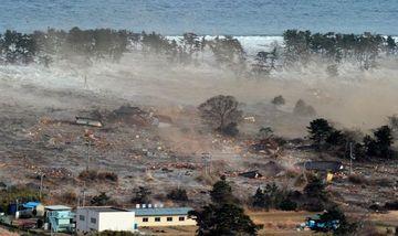 Japonia isi plange mortii! Se implinesc 2 ANI de la CUTREMURUL de 9 grade urmat de un tsunami DEVASTATOR FOTO