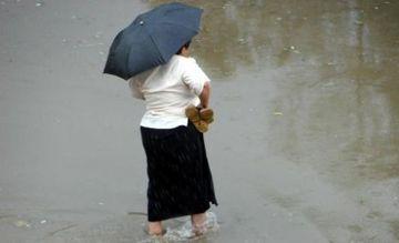 AVERTIZARE METEO: Ploile isi fac aparitia! COD GALBEN de inundatii