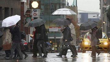PROGNOZA METEO: Weekend-ul vine cu vreme inchisa si ploi. Vezi ce temperaturi vor fi sambata si duminica