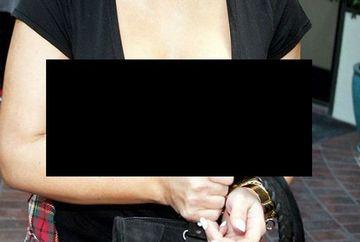 Sanii lui Kim Kardashian AU EXPLODAT! Vedeta are acum un bust IMENS din cauza sarcinii. Paparazzi au ramas cu gura cascata FOTO