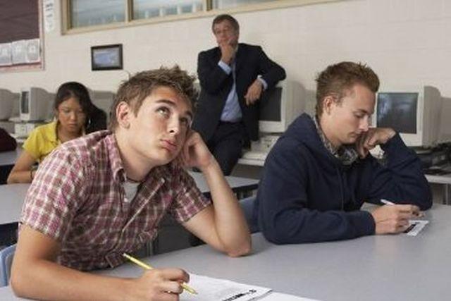 DEZASTRU la simularea Bacalaureatului! Doar 24% dintre elevi au promovat la proba de matematica