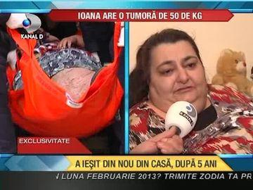 Lupta pentru viata! Femeia cu o tumora de 50 de kilograme a fost adusa la Bucuresti pentru analize VIDEO