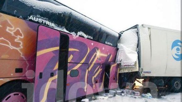 Un autocar inmatriculat in Romania a fost implicat intr-un GRAV ACCIDENT in Germania