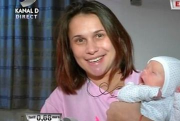 """Lavinia Milosovici si-a """"minunea"""" la WOWbiz! Uite cat de fericita este alaturi de Mihai Cosmin, fiul ei!"""