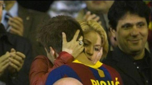Shakira si Pique SUNT OFICIAL PARINTI de baietel! Ce NUME i-au pus bebelusului VIDEO