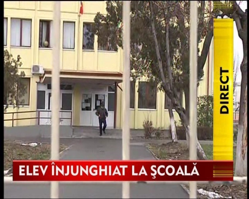 S-a intamplat in Bucuresti: Un elev a fost injunghiat in fata scolii!