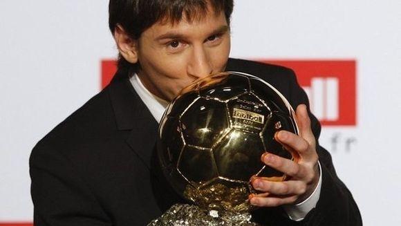 El este cel mai bun fotbalist din lume! Lionel Messi a castigat pentru a patra oara consecutiv Balonul de Aur