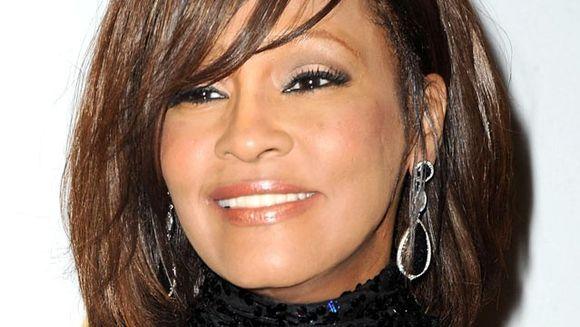Ipoteza SOCANTA: Whitney Houston AR FI FOST UCISA de traficantii de droguri. Vezi probele care indica acest lucru