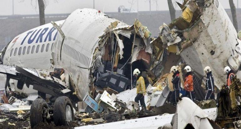 Povestea celui mai NOROCOS om din lume! Dupa ce a scapt dintr-un tren deraiat, dintr-un avion fara usa si o masina incendiata, a castigat 1 million de dolari le loto