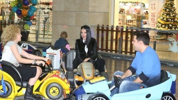 Adelina Pestritu, Cove si Christian Sabbagh s-au dat in roller coaster si in masinute, de dragul copiilor