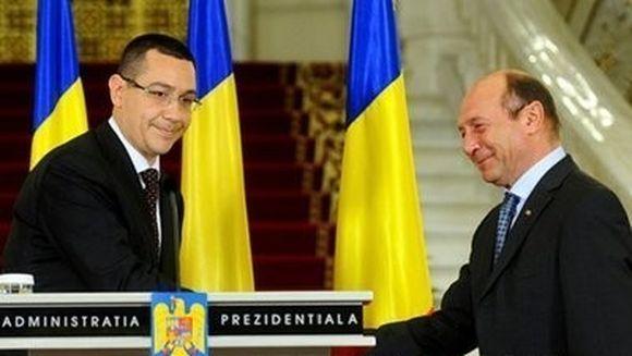 """Ponta: """"Basescu sa-si foloseasca sarmul cu doamna Merkel pentru urmatorul summit. Eu ma ocup de restul"""""""