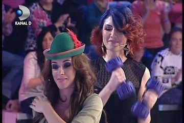 "Alexandra Ungureanu a dat muzica pop pe ritmuri latine. A dansat ""Macarena"" cu haltere in maini la ""Roata norocului"" VIDEO"