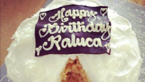 Raluca Zenga si-a sarbatorit ziua de nastere la cel mai inalt restaurant din lume!