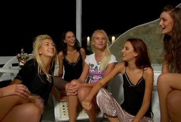 Concurentele de la Next Top Model viseaza la o noapte fierbinte cu Irinel Columbeanu? Vezi ce ar raspunde fetele daca fostul sot al Monicai le-ar face propuneri indecente!