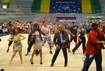 Nadia Comaneci si Bart au invatat dansuri braziliene la Rio