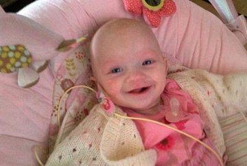 Micuta care a invins CANCERUL! S-a batut cu 7 TUMORI canceroase, desi are doar 9 luni FOTO