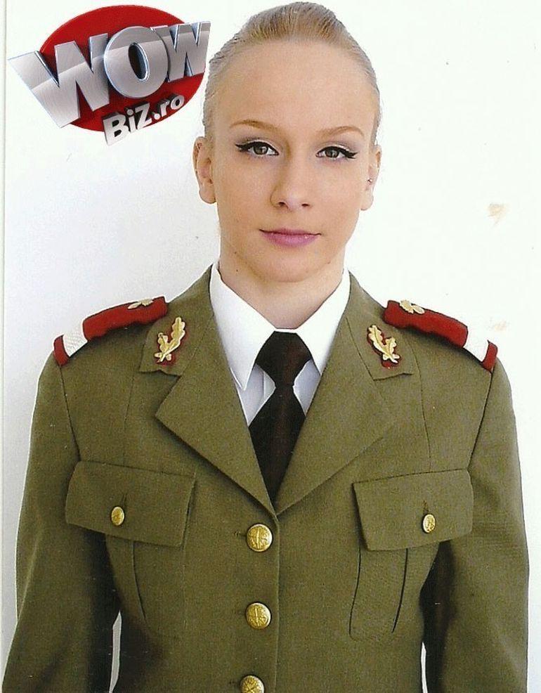 EXCLUSIV Uite ce bine ii sta Sandrei Izbasa in haina militara: Imi doresc sa invat sa trag cu pistolul