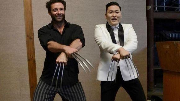 Si el danseaza pe melodia care a innebunit internetul! Vezi cum arata Gangnam Style in varianta lui Wolverine!
