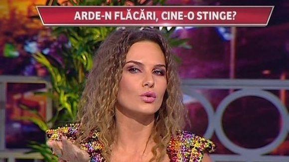 Anna Lesko a fost intr-o vacanta exotica unde s-a indragostit cu nabadai! Vezi de cine