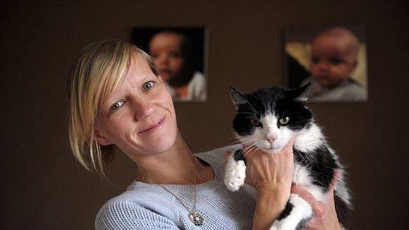 INCREDIBIL: Si-au gasit pisica la sase ani dupa ce a disparut. Vezi cum a fost posibil FOTO