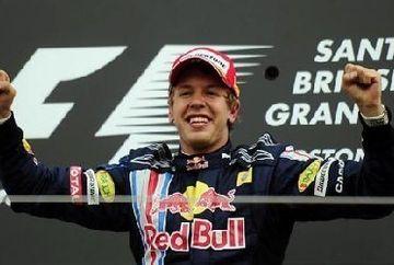 Vettel a castigat MP al Japoniei si ii sufla in ceafa lui Alonso la general