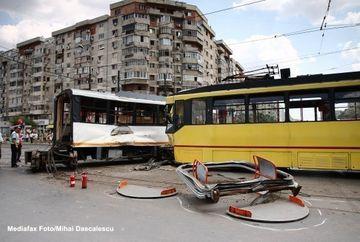 Accident in Galati - Doua tramvaie s-au ciocnit: Cinci persoane au fost ranite! VIDEO