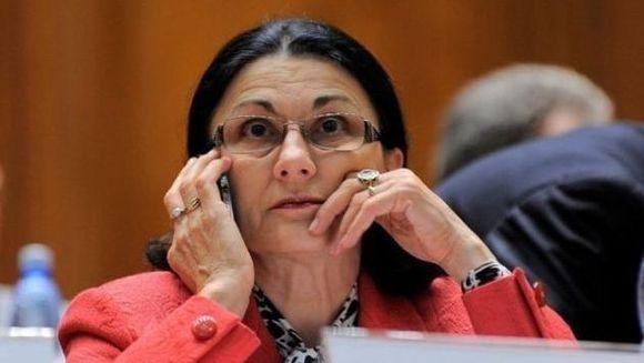 Ministrul educatiei face inca un experiment pe pielea copiilor: vrea sa intoarca clasa pregatitoare la gradinita