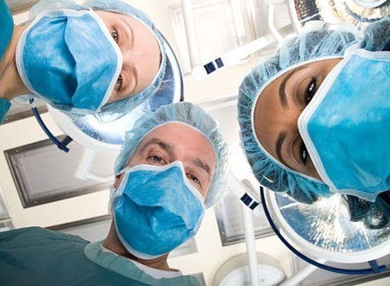 Povestea CUTREMURATOARE a unui pacient ce a fost CONSTIENT in timpul a doua interventii chirurgicale!