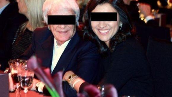 Sa fie DRAGOSTE ADEVARATA? El este miliardar si are 81 de ani, iar ea are 35. Crezi ca se potrivesc? FOTO