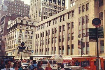 BREAKING NEWS: Atac armat in fata cladirii Empire State Building din New York. Mai multe persoane au fost impuscate