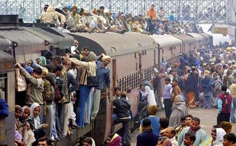 India, tara in care nu ti-ai dori sa mergi cu trenul! Vezi in GALERIA FOTO de ce