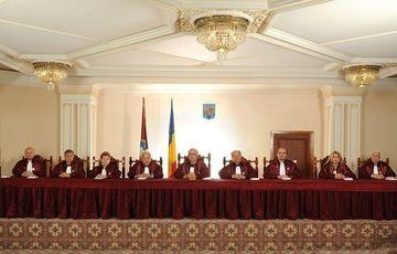 Curtea Constitutionala ar putea decide astazi daca Traian Basescu ramane sau nu presedinte. Sedinta a inceput