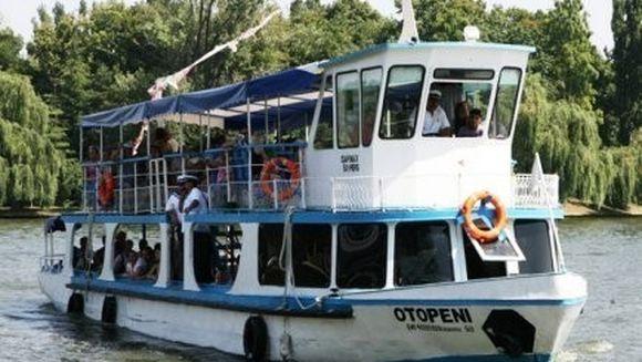 Plimbari gratuite cu vaporasul pe lacul Herastrau, de Ziua Marinei