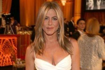 Varul lui Jennifer Aniston vorbeste dezvaluie detalii despre logodna ei!