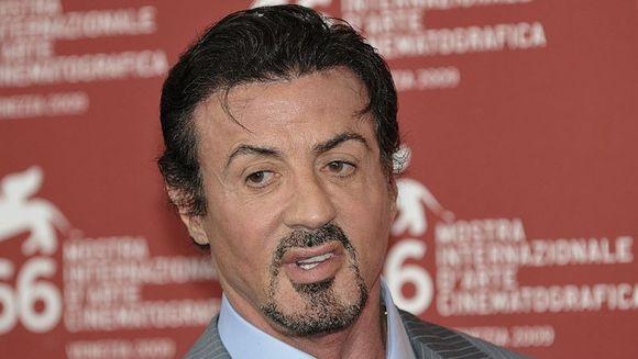 Sylvester Stallone trece printr-o noua drama! Sora sa, diagnosticata cu cancer, este internata in stare critica