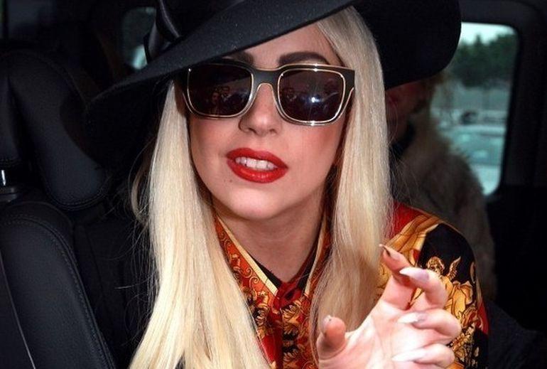 Lady Gaga face un fan fericit ! Vrea ca urmatorul ei videoclip sa fie regizat de un admirator