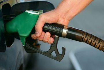 Vesti proaste pentru soferi: Petrom SCUMPESTE benzina si motorina
