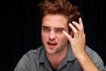 """""""Sunt DISTRUS! M-ai UMILIT!"""" Robert Pattinson s-a mutat din vila in care locuia impreuna cu Kristen Stewart"""